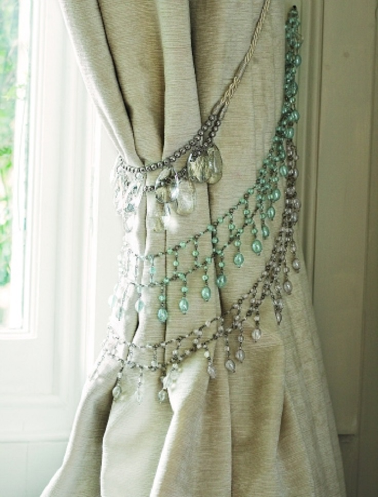 8-No-Cost-DIY-Home-Décor-Decorate-curtains-with-necklaces
