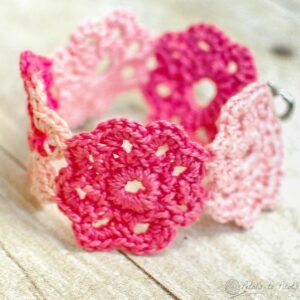 TOP 10 Free Patterns for Stylish Knitted & Crocheted Accessories | Top Inspired