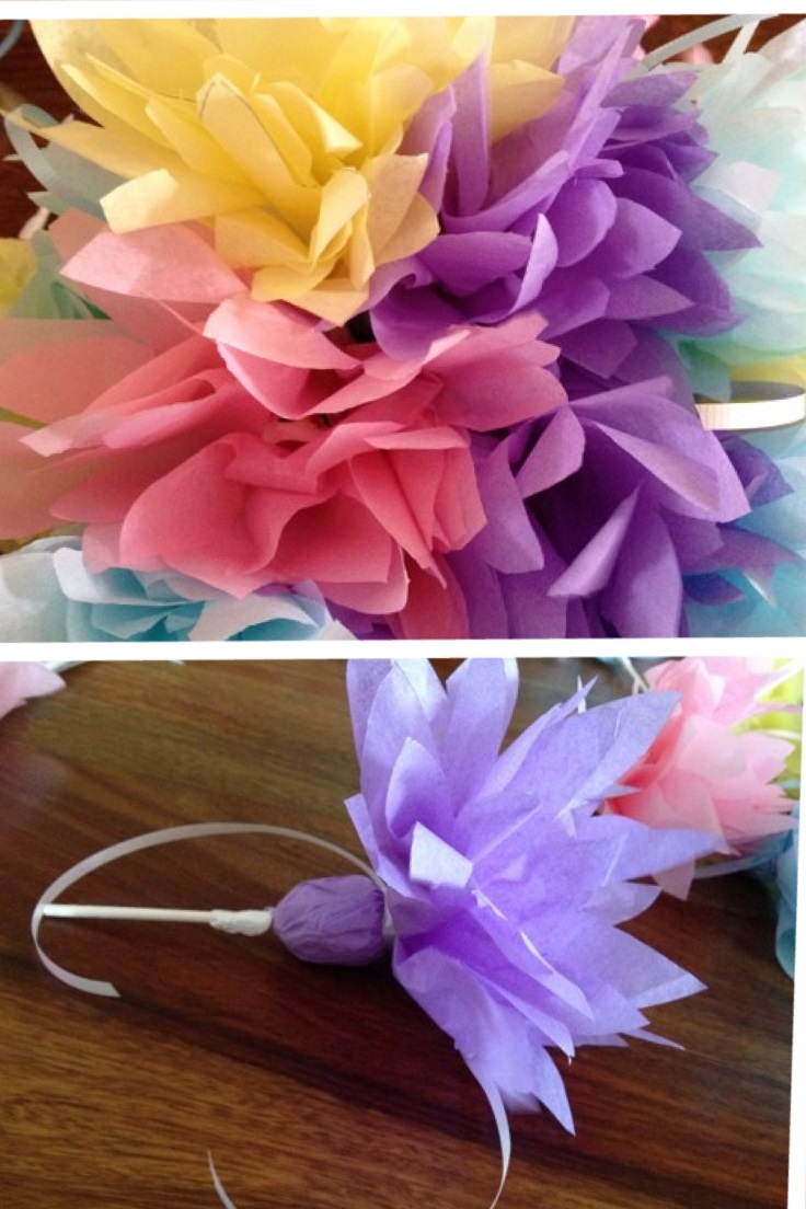 Paper-Dahlias-with-Blow-Pops