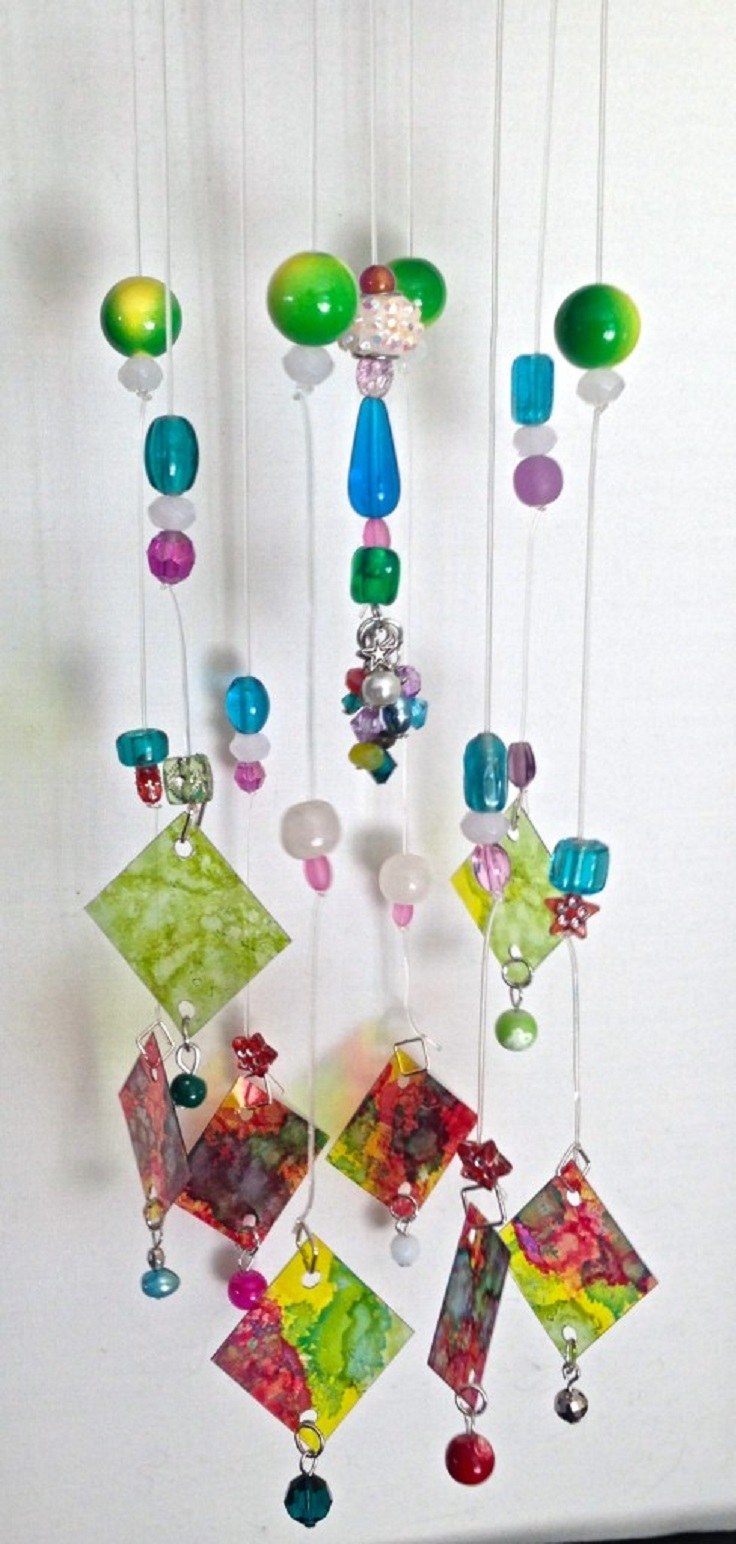 The-Coolest-DIY-Suncatcher-You'll-Make-This-Spring