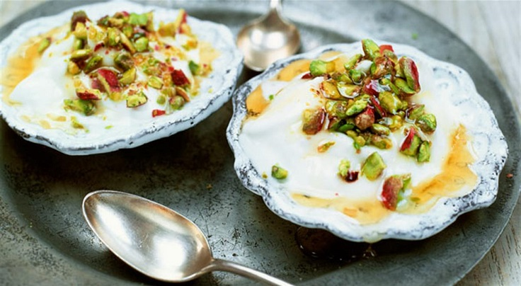 greek-yogurt-with-honey-and-pistachios