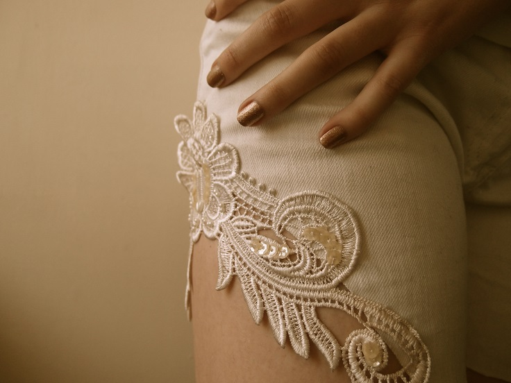 lace-embellished-cut-out-shorts
