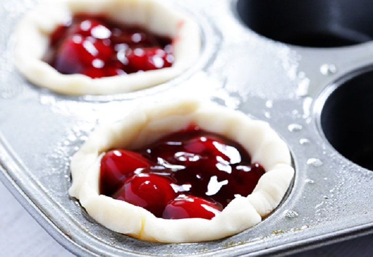 Top 10 Easy Desserts You Can Make In A Muffin Tin Top