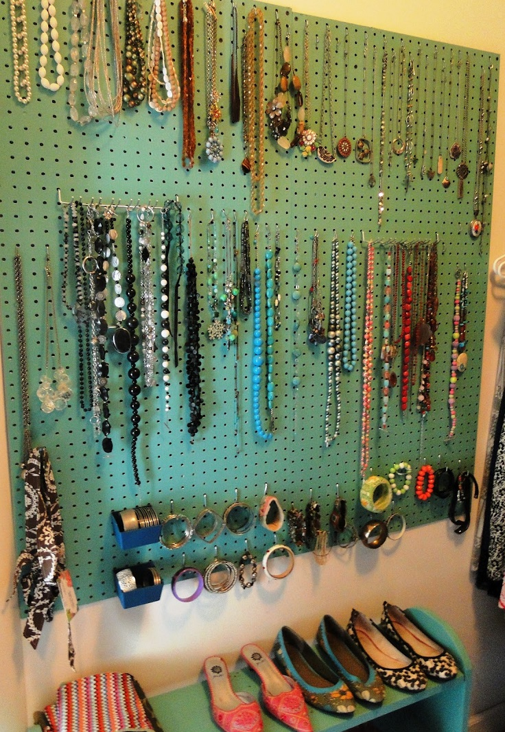 Top 10 creative ways to storage your jewelry top inspired for Clever ways to store jewelry