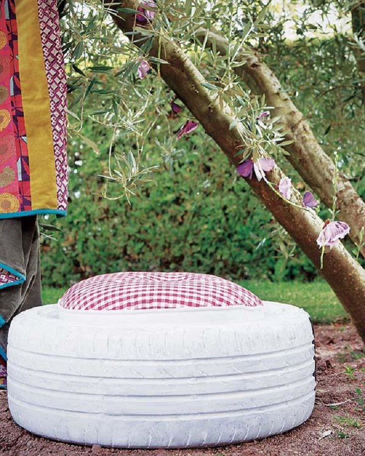 A-Garden-Stool-Made-from-Old-Tire