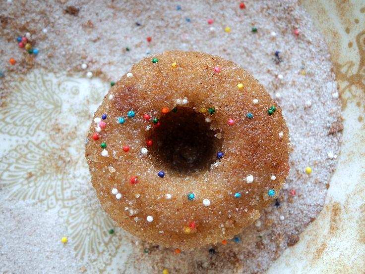Baked-Mini-Cinnamon-Cake-Donuts