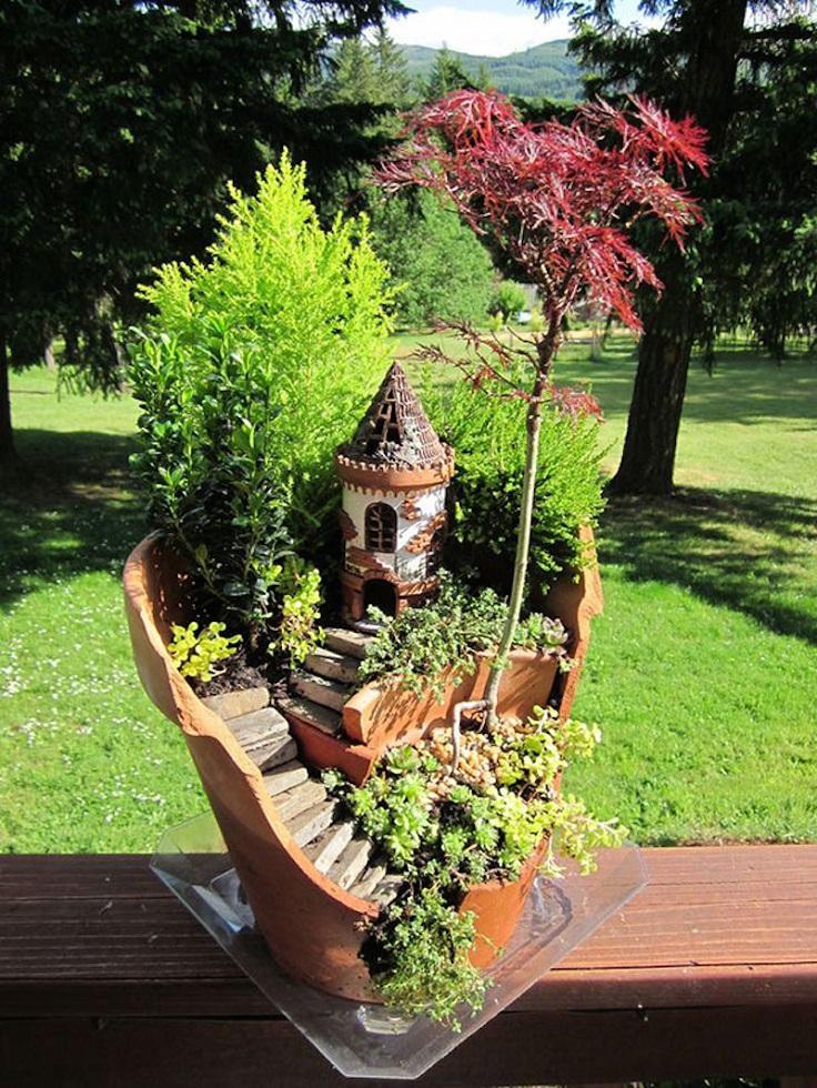 Broken-Pots-Turned-Into-Brilliant-DIY-Fairy-Succulent-Gardens