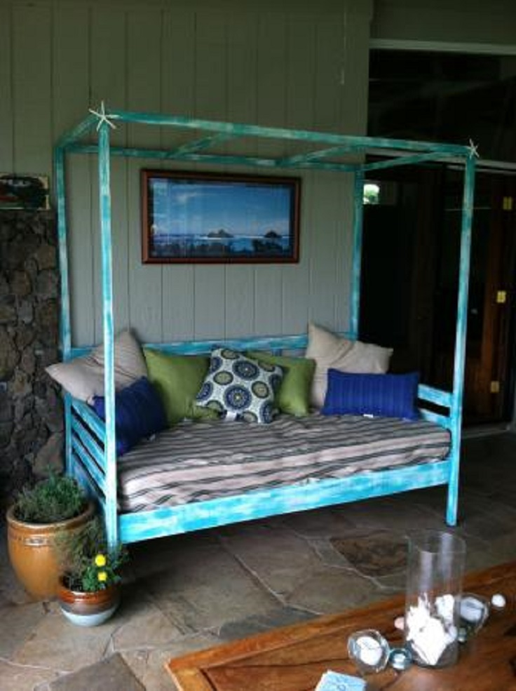 Outdoor-Day-Bed-with-Canopy