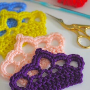 TOP 10 Free Patterns For Crochet Crowns and Tiaras Fit for a Prince or Princess | Top Inspired
