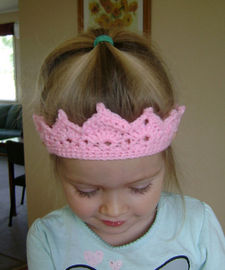 Free King Crown Crochet Pattern : TOP 10 Free Patterns For Crochet Crowns and Tiaras Fit for ...