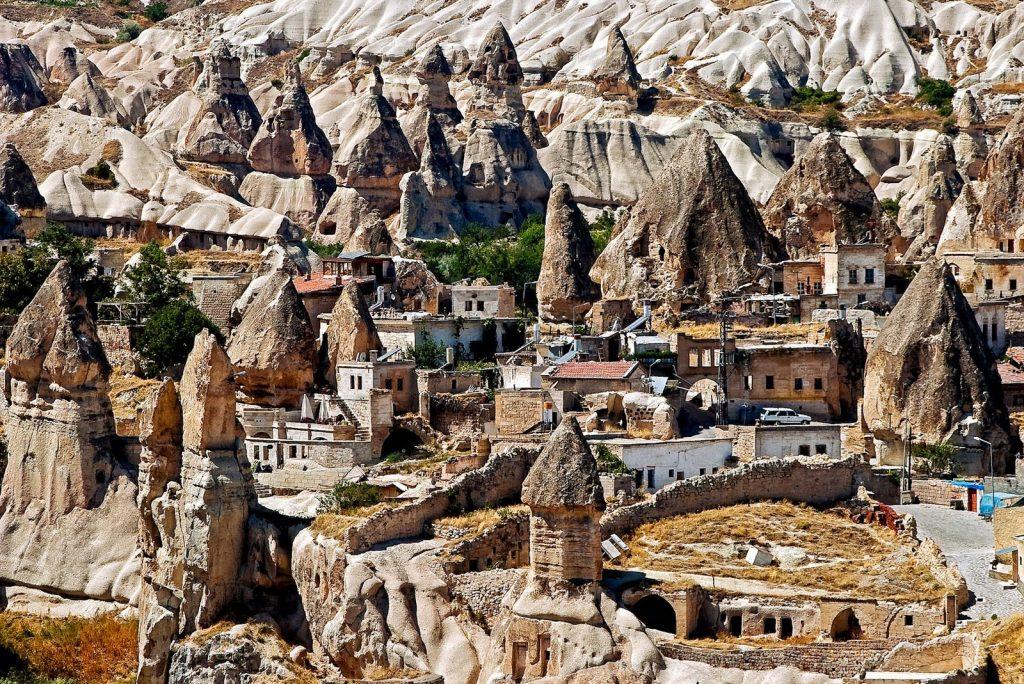 goreme-valley-cappadocia-1024x684