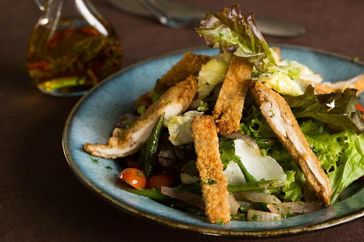 Chicken-Salad-with-caramlized-onions