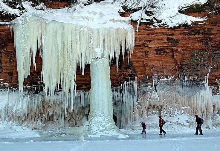 apostle-ice-caves