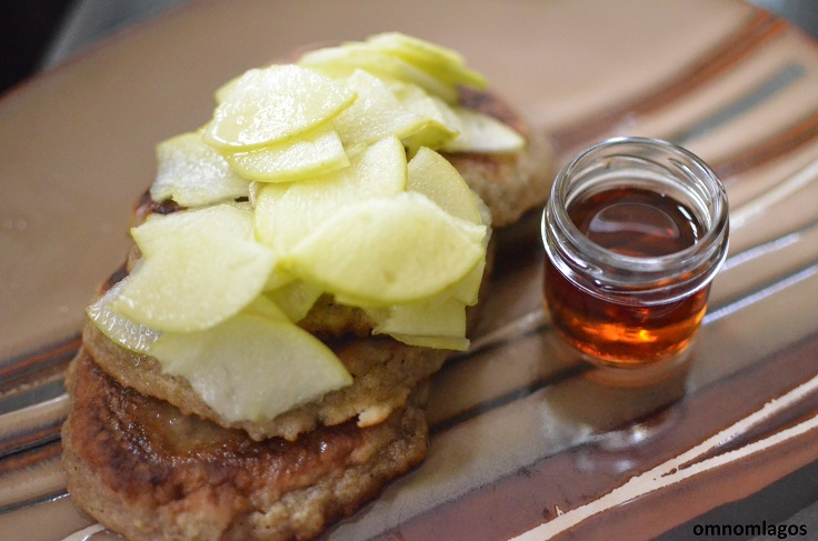 oatmeal-pancakes-with-apples-and-maple-syrup