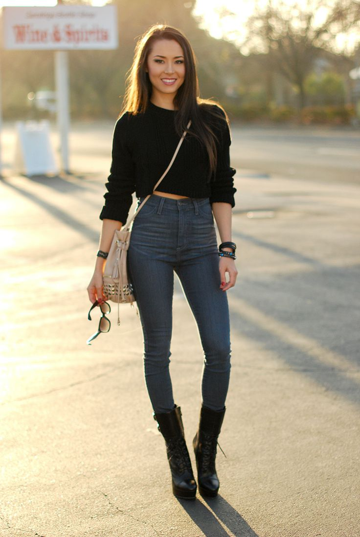 Trend-of-Fashion-High-Waisted-Jeans-may-not-be-new-at-all