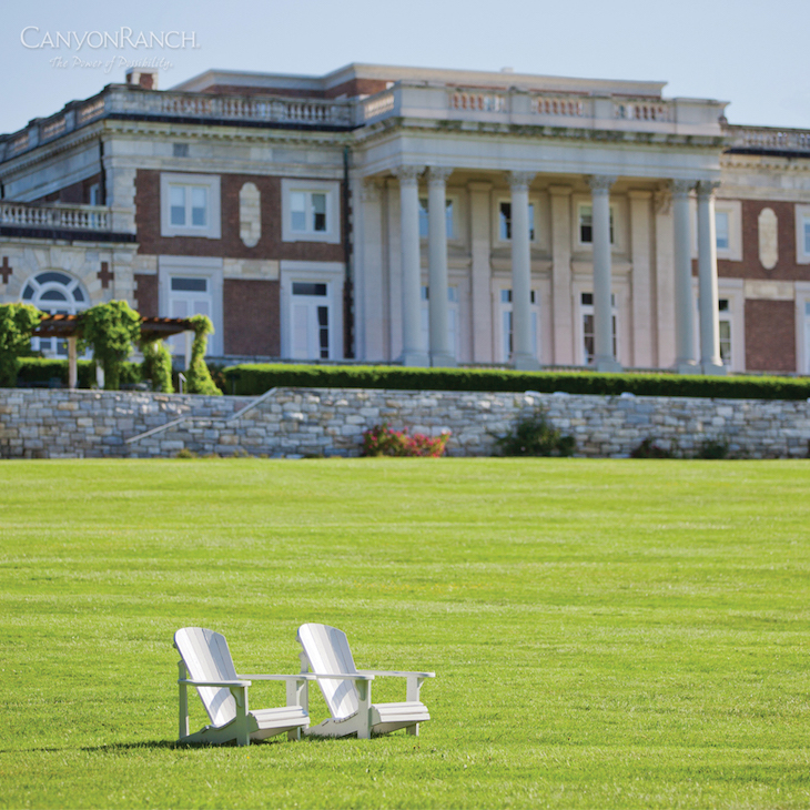 40_mansion-with-chairs1