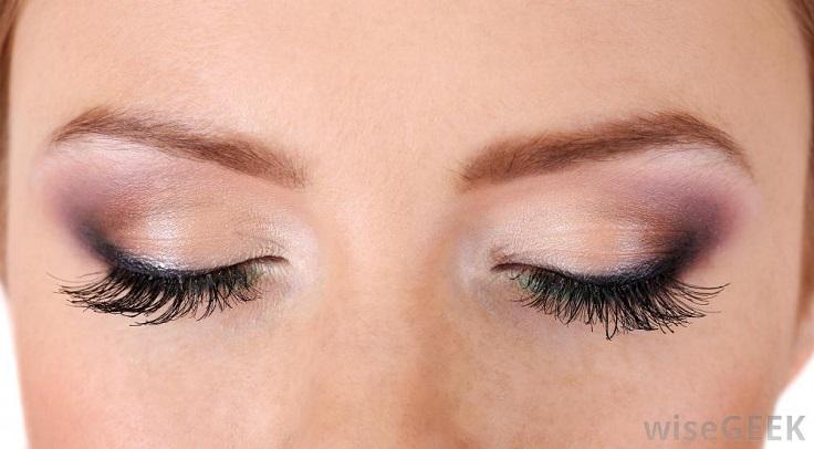 how to use mascara to make your eyelashes longer