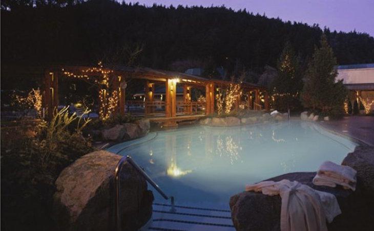 Top 10 Hot Springs Getaways In The Pacific Northwest Top