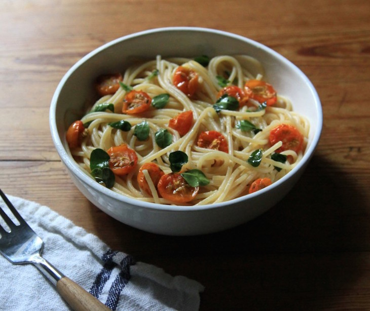 topspaghetti-with-sungold-tomatoes-and-morgina_gardenista