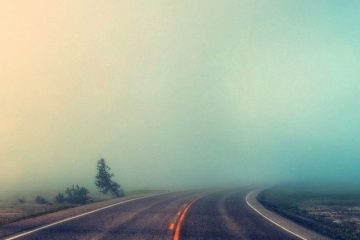 Foggy-Road-iphone-5-wallpaper-ilikewallpaper_com