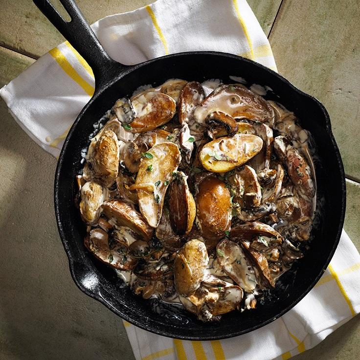 Pan-Fried-Fingerling-Potatoes-with-Wild-Mushroom-Sauce