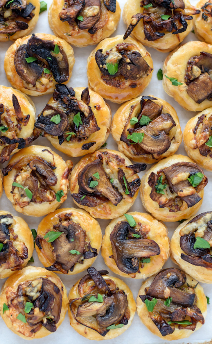 topCheesy-Mushroom-Puff-Pastry-Bites.-An-easy-and-delicious-puff-pastry-appetizer