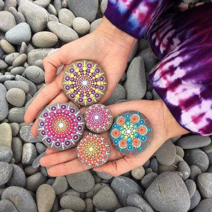 TOP 10 Inspiring Rock Art Ideas - [Painted Rocks is the Latest CRAZE]