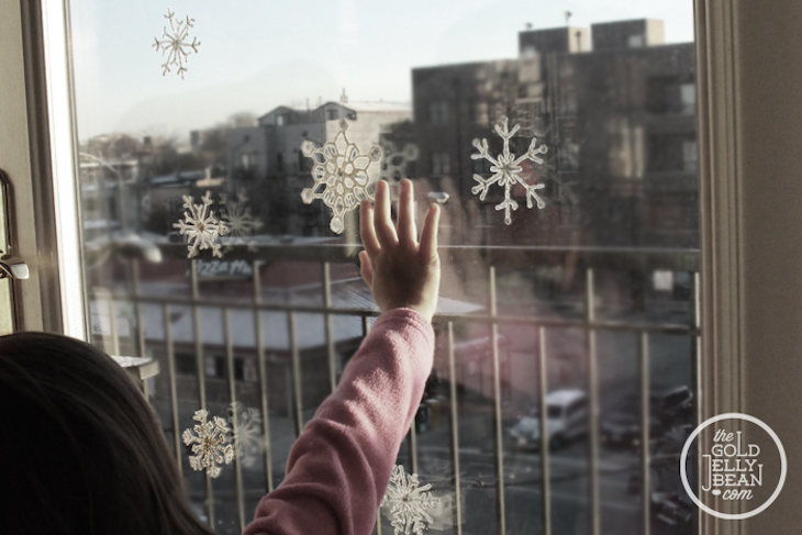 topDIY-Snow-Flake-Window-Clings-2