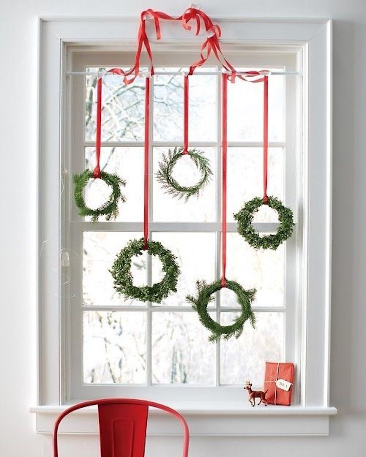 topawesome-christmas-window-decor-ideas-15