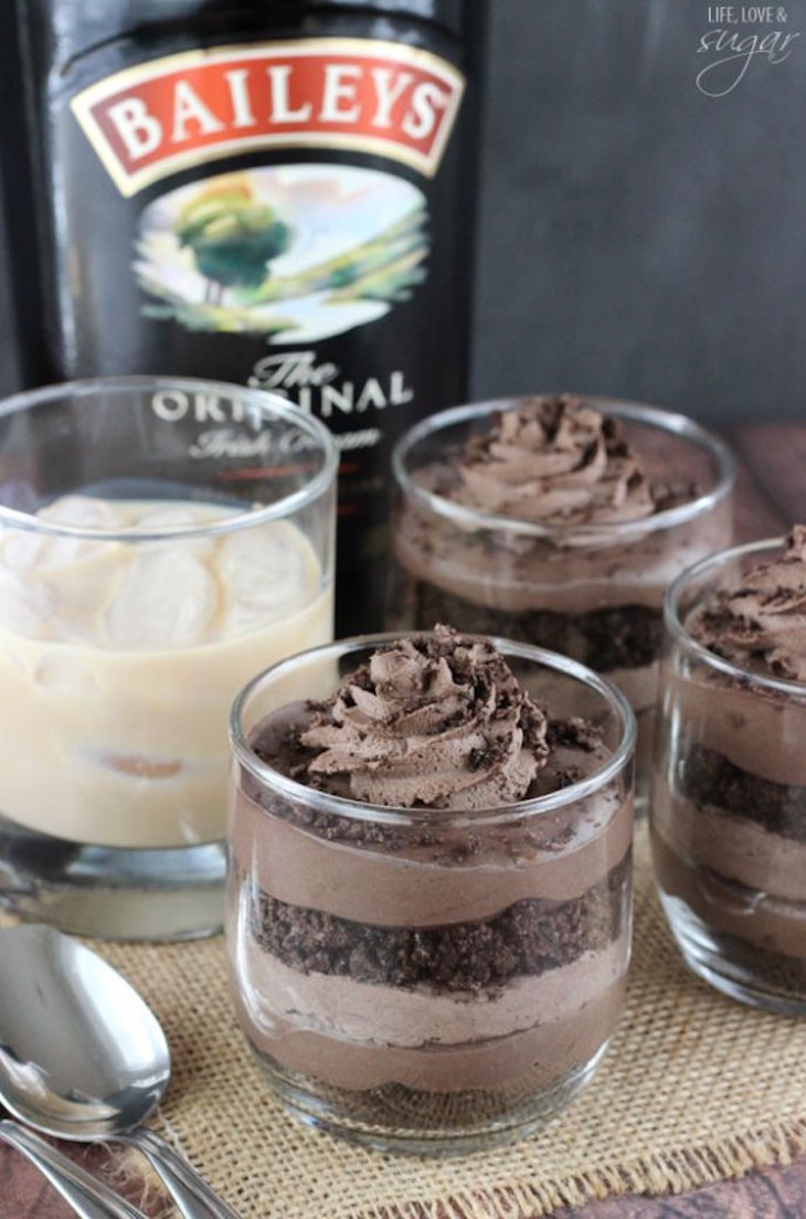 topbaileys_chocolate_cheesecake_trifles2