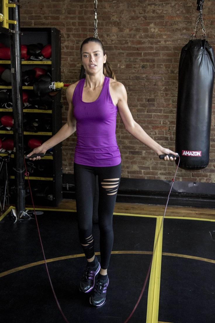 Adriana-Lima-Rope-Jumping-Exercise