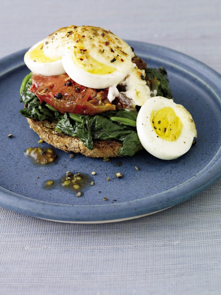 Grilled-Sandwich-with-Egg-Spinach-Tomato