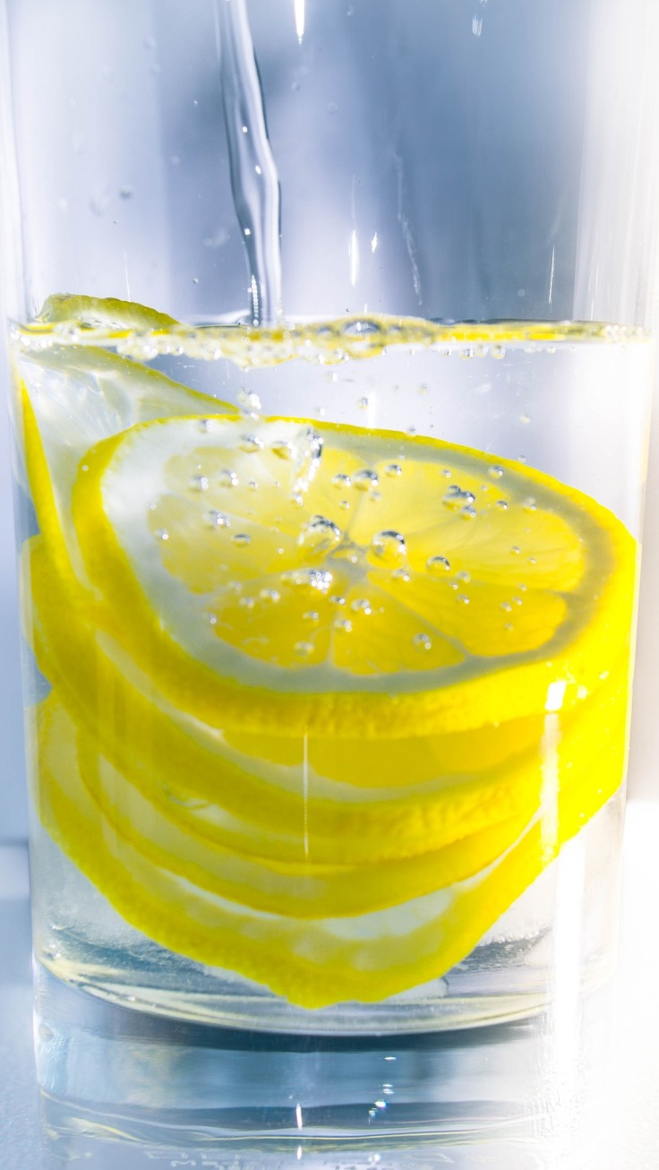 Start-Your-Day-With-Lemon-Water