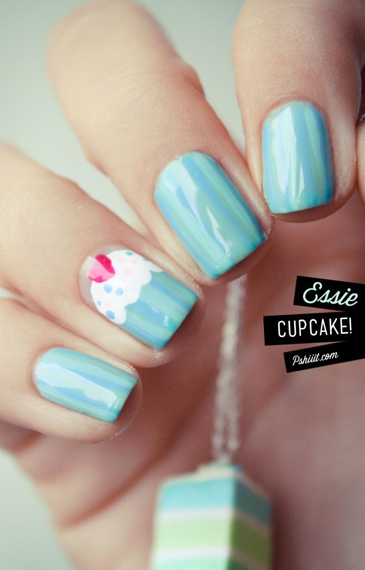 pastel-blue-cupcake