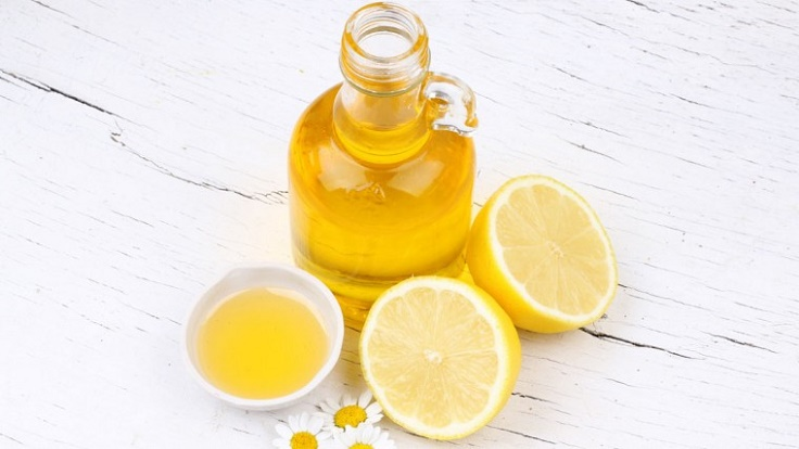 Lemon-and-Jojoba-Oil-Lip-Balm