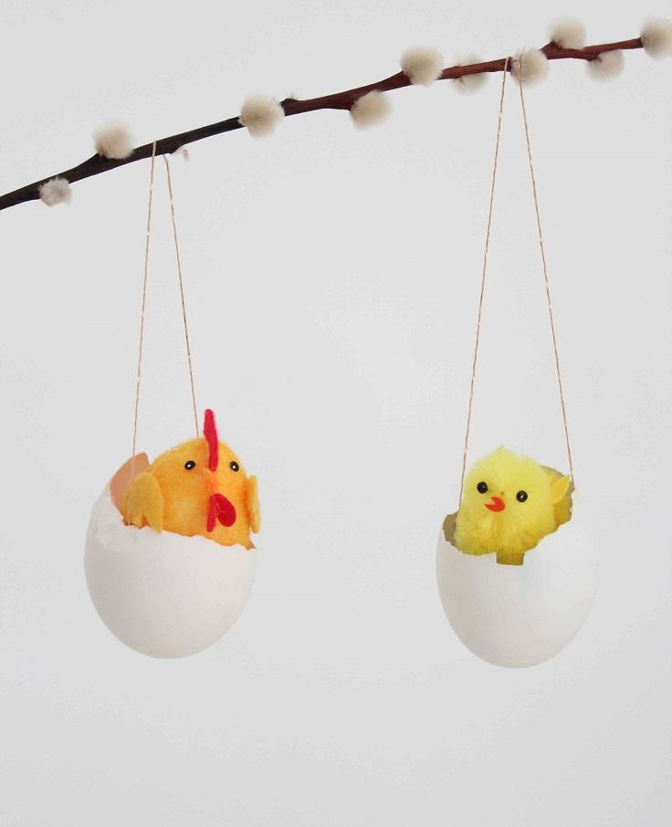 Hanging-Eggshell-Vases
