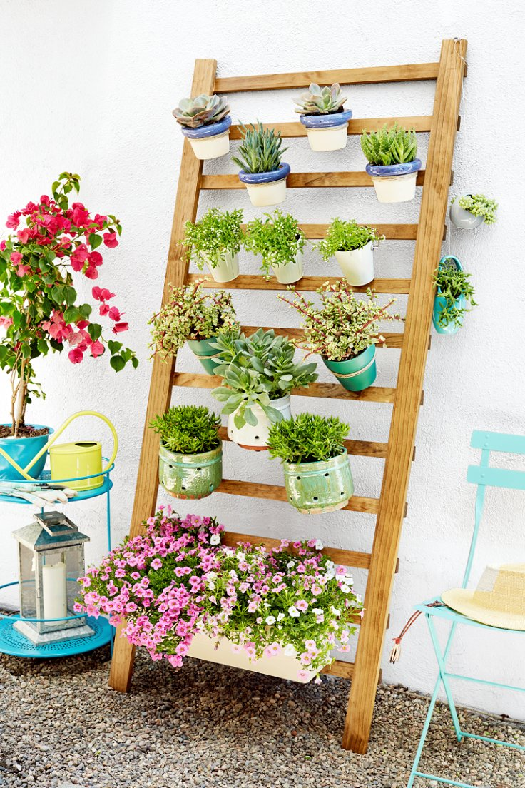 Top 10 diy vertical garden ideas to try this spring top for Cheap vertical garden