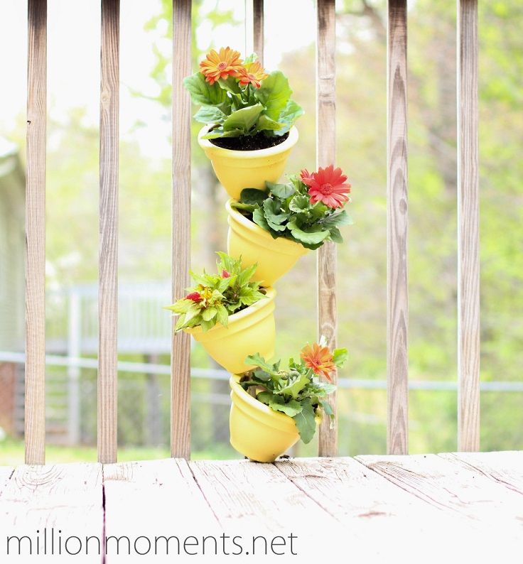 Vertical-Clay-Pots-Garden