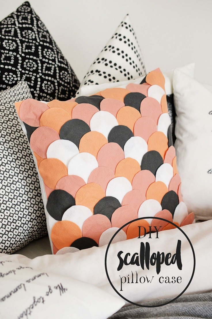 No-Sew-Scalloped-Pillow