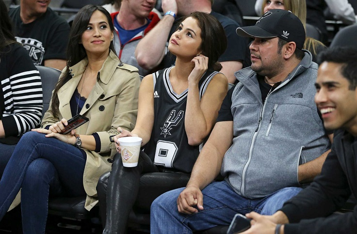 Top 10 Best Celebrity Outfits At The Nba Games Top Inspired