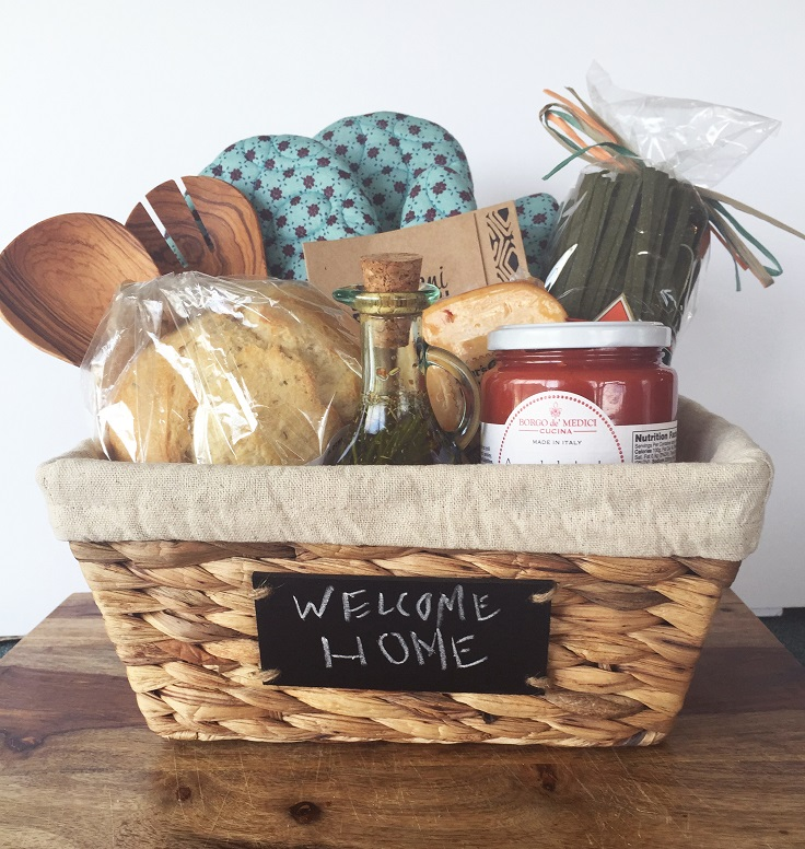 Top 10 diy creative and adorable gift basket ideas top for The best housewarming gift