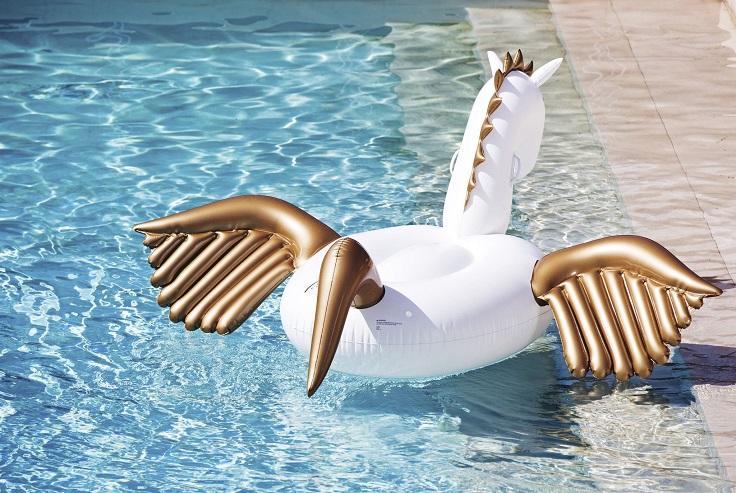 Unicorn-pool-float