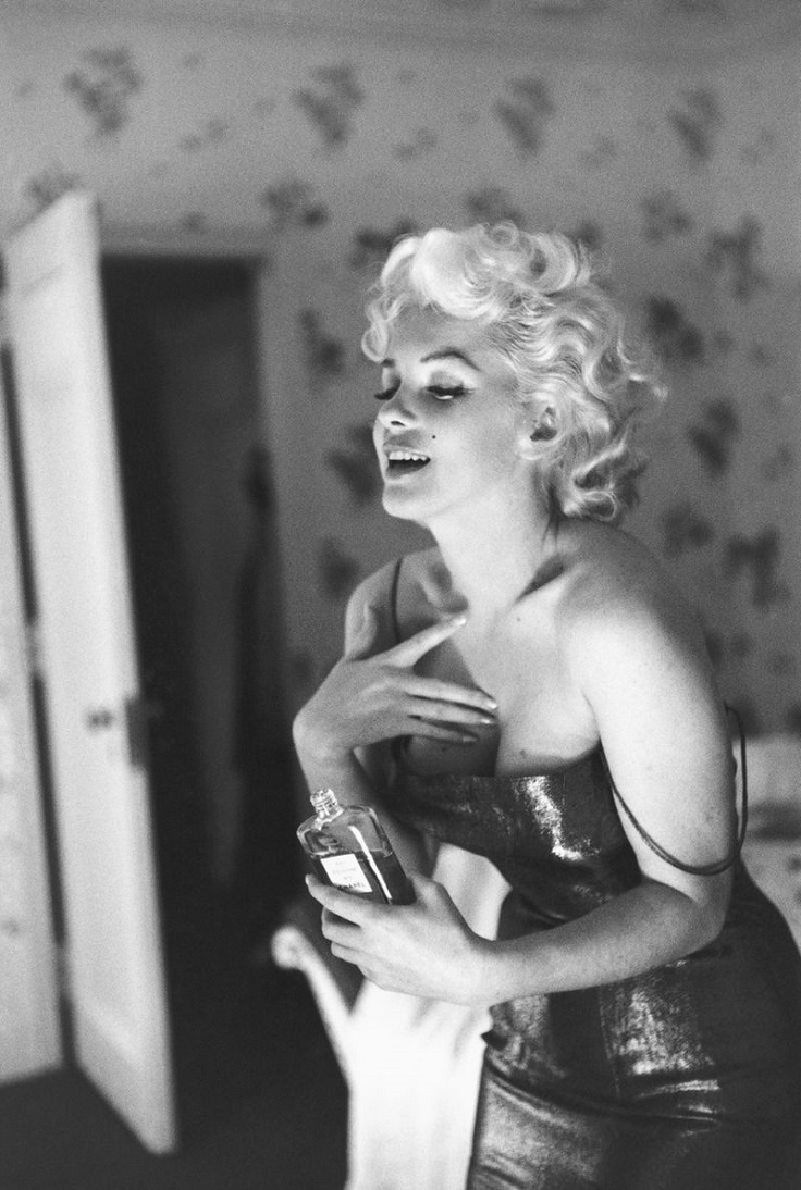 Marilyn-Monroe-and-Chanel-n.-5