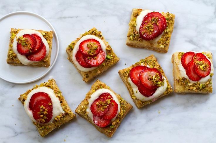 Strawberry-Cardamom-Mascarpone-Tartlets