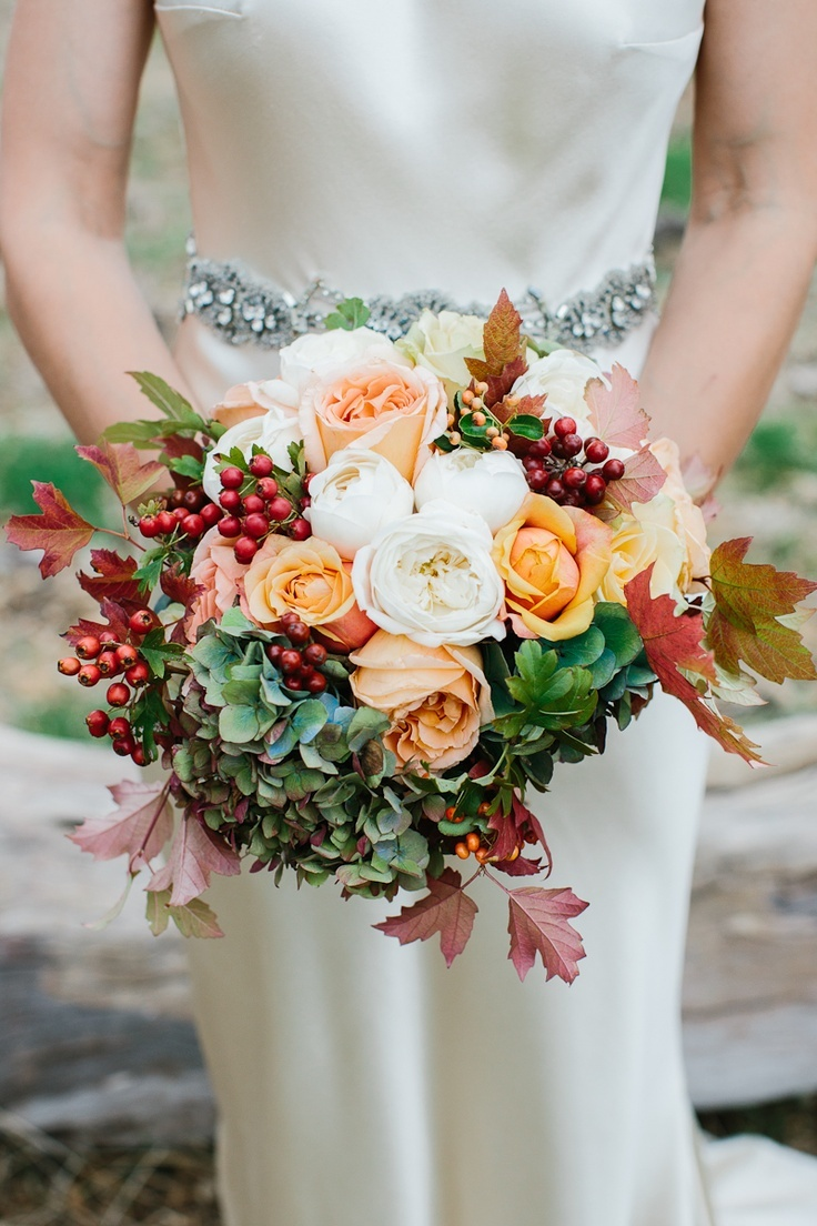 top 10 swoon worthy wedding bouquets for autumn brides - top