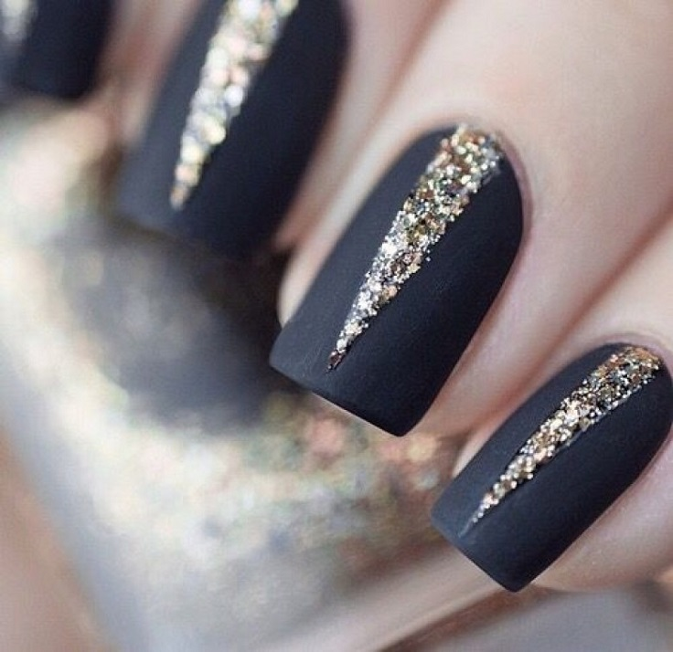 Top 10 super easy glittery nail art ideas top inspired top 10 super easy glittery nail art ideas prinsesfo Image collections