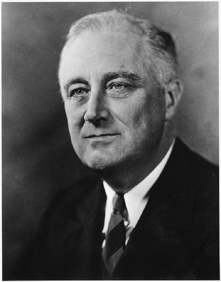 Franklin_D._Roosevelt_-_NARA_-_535943