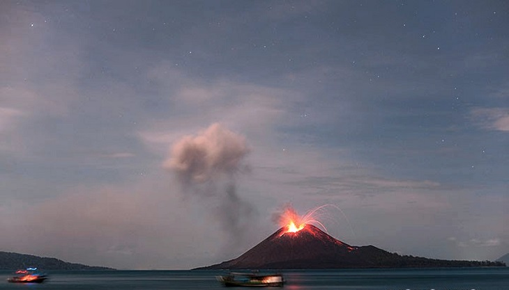 TOP 10 Deadliest Volcanic Eruptions In History