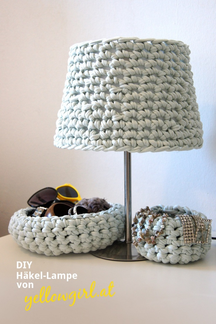 Cozy-Crocheted-Lampshade