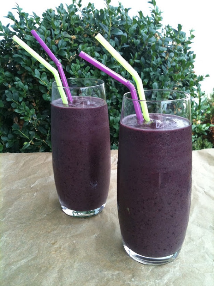 aronia-açai-blueberry-smoothie